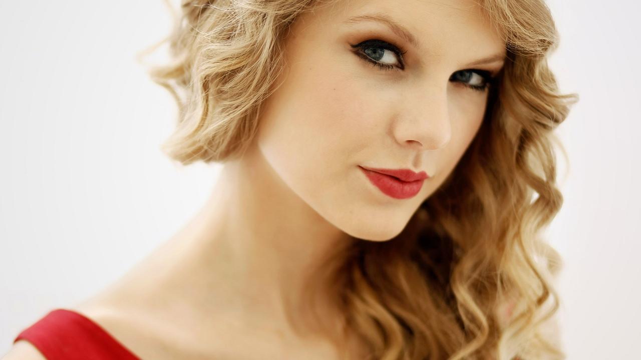 22 Taylor Swift