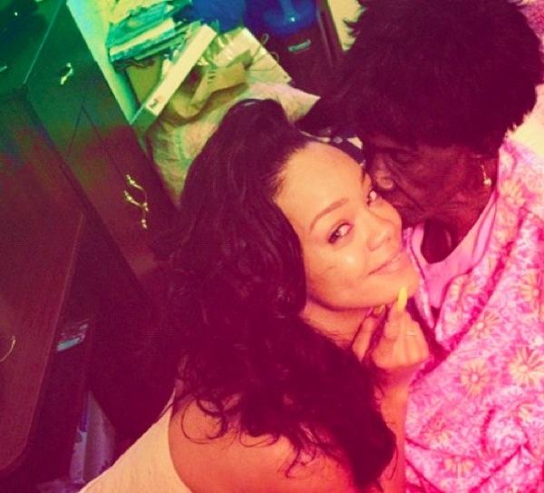 Rihanna Nonna